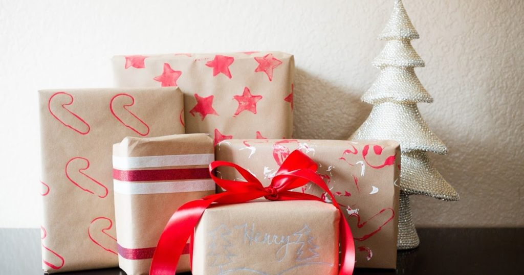 Silver Lining: DIY Toddler-Friendly Holiday Gift Wrap